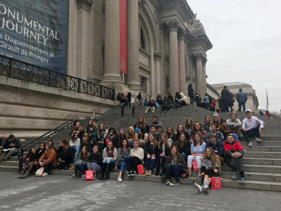 Students+on+the+Met+field+Trip